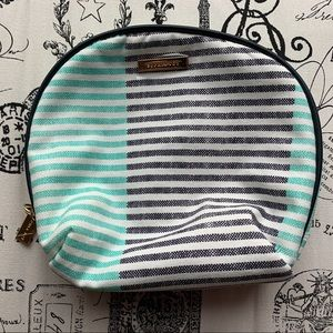 Makeup bag (New)
